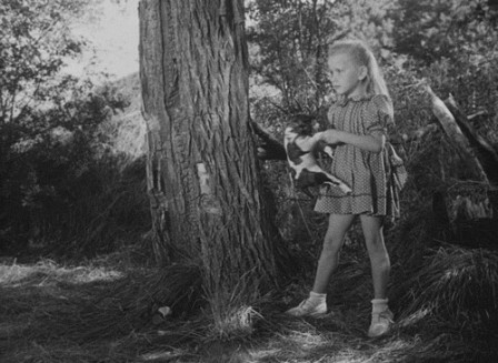 Brigitte_Fossey_in_Jeux_interdits1952_directed_by_Rene_Clement_chien.gif