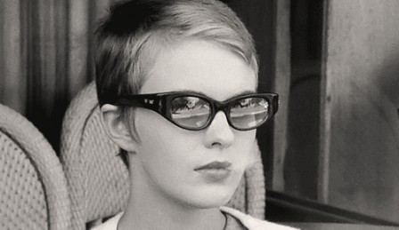 Jean Seberg in Breathless train à vapeur.gif