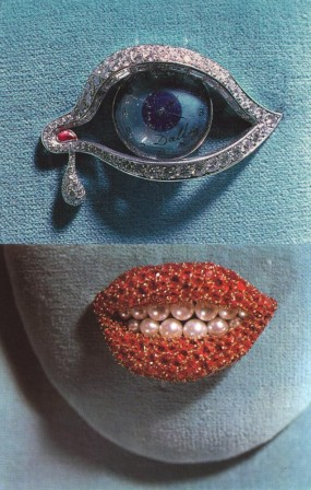 Salvador Dali The Eye of Time and Ruby Lips brooches created in 1941 2.jpg, avr. 2021