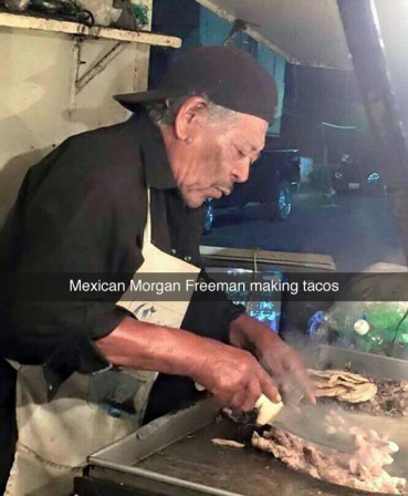 Morgan_Freeman_Mexique_tacos.jpg