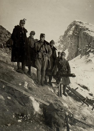 Austro-Hungarian soldiers in the Alps 1916-17 guerre montagne.jpg, fév. 2020
