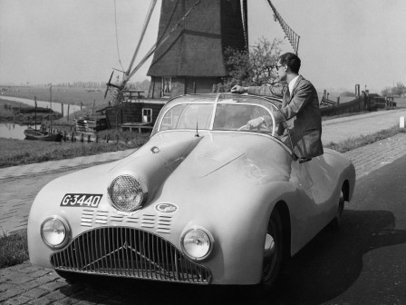 Gatso_400_1946_voiture_Hollande.jpg