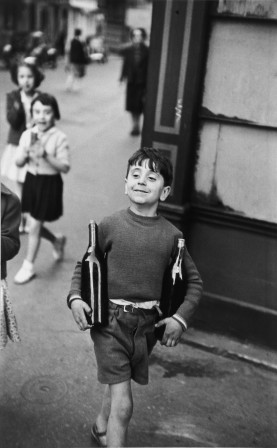 Henri Cartier-Bresson rue Mouffetard Paris 1954.jpg