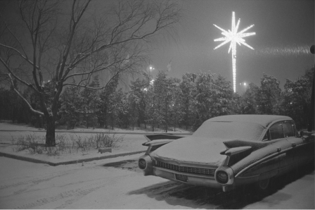Joel_Meyerowitz_JFK_Airport_New_York_City_1968_bonne_nuit.png