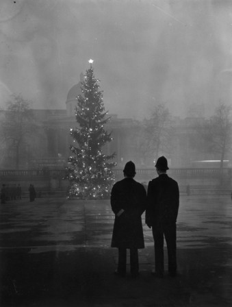 Warburton 1 December 1948 National Gallery Trafalgar Square noel.jpg