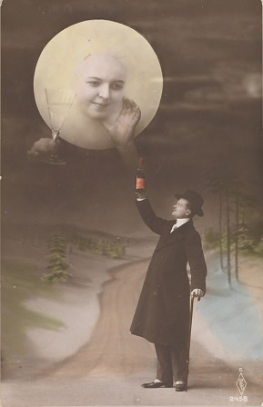 man_drinking_with_the_moon_vintage_postcard_1910_trinquer_avec_la_lune_carte_postale.jpg