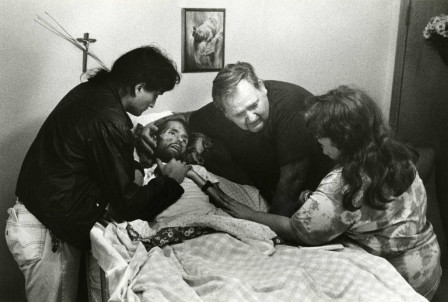sida_A_father_comforts_his_son_David_Kirby_on_his_deathbed_in_Ohio_Published_in_LIFE_magazine_in_November_of_1990.jpg