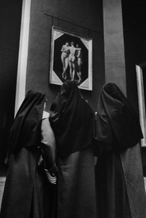 Alécio de Andrade, The Louvre an it's Visitors, 1980s doux Jésus.jpg, janv. 2021
