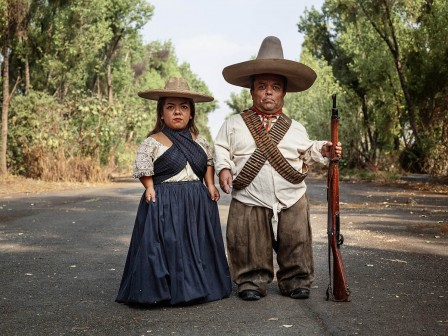 Pieter Hugo Zapata and Adelita Mexico City 2019 La Cucaracha.jpg, juin 2020